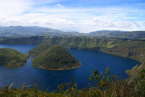 Insel im Krater