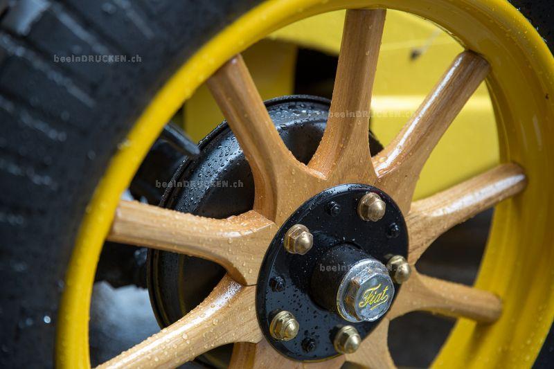 Fiat Oldtimer Holzspeichenrad