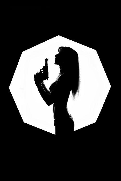 Bondgirl2